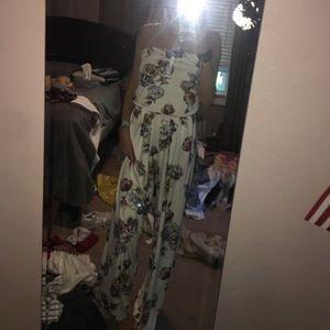 strapless floral jumpsuit (has pockets!!)